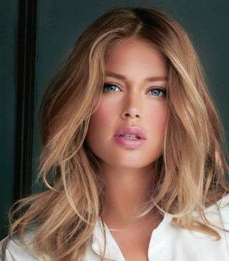 Kıskanılan 50 Güzel Kadın
