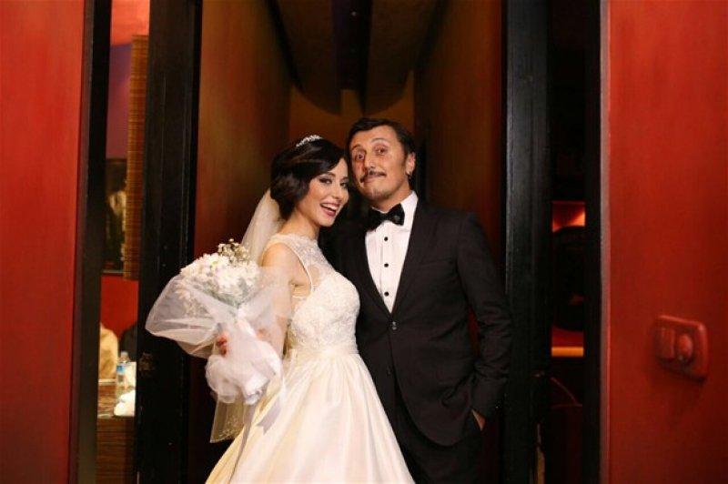 Güldür Güldür Oyuncusu Ayşegül Akdemir Evlendi