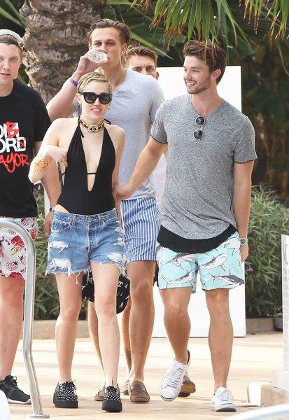Patrick Schwarzenegger ve Miley Cyrus ile ilişkisi