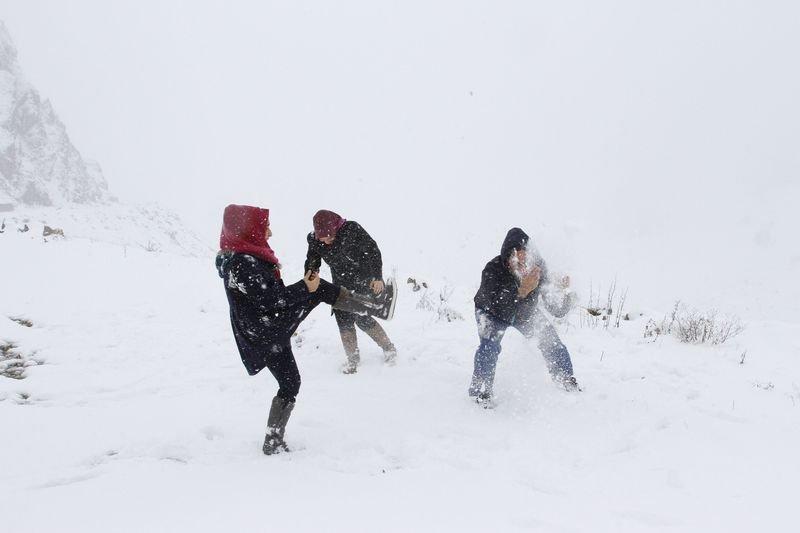 Karadeniz'e kar yağdı ile ilgili görsel sonucu