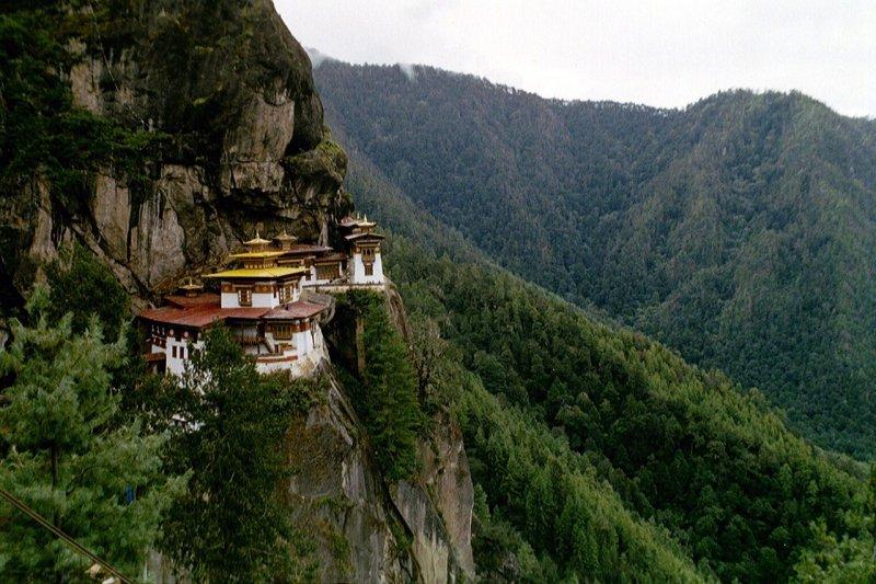 Budizm'in en önemli simgesi: Kaplan Yuvası Manastırı