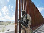 Armed groups on US border concern Mexico