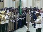 Saudi military orchestra tries to play Russia's anthem