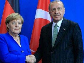 Almanya Başbakanı Angela Merkel: Türkiye ile ilişkileri dengelemeliyiz