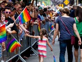 Macaristan'da eşcinselliğe teşvik eden içerikler yasaklandı