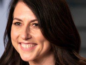 MacKenzie Scott, 286 kuruluşa 2.7 milyar dolar bağışladı