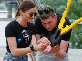 Ukrayna'da ayrılmamak için kendilerini birbirlerine kelepçeleyen çift ilişkilerini bitirdiler