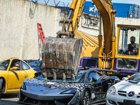 Filipinler'de 1,2 milyon değerinde 21 kaçak lüks araç imha edildi