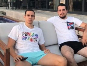 Taylan Antalyalı'nın LGBT tişörtlü paylaşımı