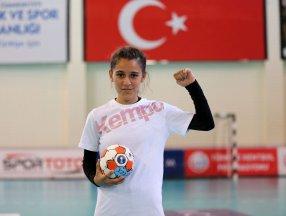 Şanlıurfalı minik hentbolcu Merve Akpınar: Köyümdeki kız çocuklarının kaderini değiştireceğim