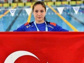 Milli yüzücü Merve Tuncel, gençlerde yine rekorla Avrupa şampiyonu
