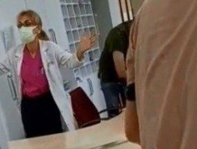 Bursa'da doktor hastasına köpek dedi