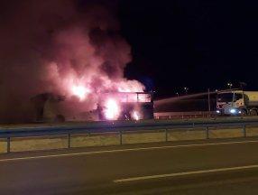 Aksaray'da yolcu otobüsü alevler içinde kaldı