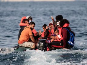 İngiltere'ye bir günde rekor göçmen girişi