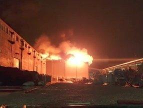Antalya'da fabrikada yangın çıktı