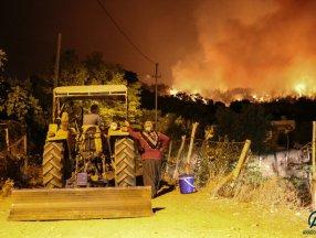 Osmaniye'de çıkan yangına müdahaleler devam ediyor