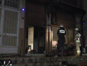 Kadıköy'de depo yandı