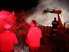 Bolu'da samanlıkta çıkan yangın ahırı kullanılmaz hale getirdi