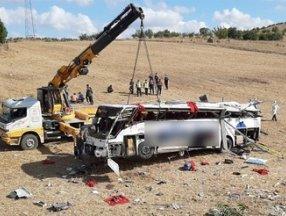 Balıkesir'deki otobüs kazasında hayatını kaybedenlerin kimlikleri belli oldu