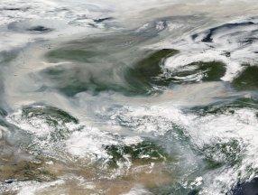 Sibirya'da orman yangınlarından yükselen duman, Kuzey Kutbu'na ulaştı