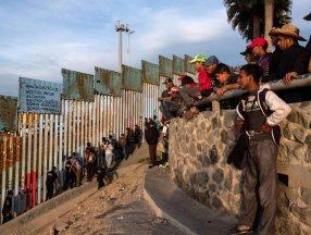 ABD'de geçen ay 212 bin kaçak göçmen tespit edildi