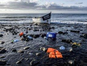 Kanarya Adaları'na giden teknede 2 hafta denizde mahsur kalan 47 göçmen öldü