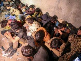 Van'da 25 düzensiz göçmen yakalandı