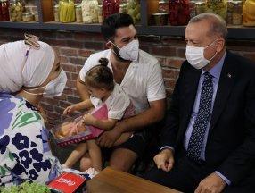 Çengelköy'de Cumhurbaşkanı Erdoğan'a sevgi seli