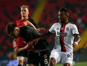 Teixeira: Beşiktaş'ta şampiyonluk yaşamak istiyorum