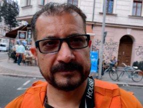 Afganistan'ın eski iletişim bakanı, Almanya'da bisikletli kurye oldu