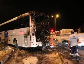 Denizli'de seyir halindeki yolcu otobüsü yandı