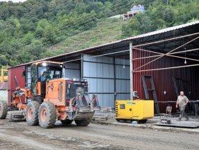 Sinop'ta sel sonrası esnafa geçici iş yerleri inşa ediliyor