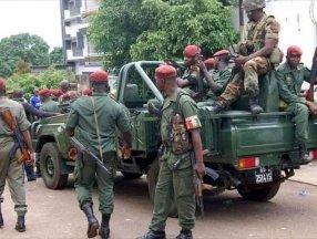 Gine'de sokağa çıkma yasağı ilan edildi