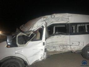 Kayseri'de feci kaza: 19 yaralı