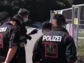Almanya'da Abdullah Öcalan'ın afişini asmaya çalışan kişi gözaltına alındı