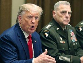 Donald Trump, ABD Genelkurmay Başkanı'nı vatana ihanetle suçladı