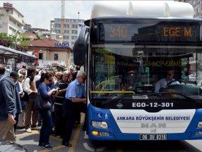 Ankara'da metro ve otobüslerin son sefer saatleri uzatıldı