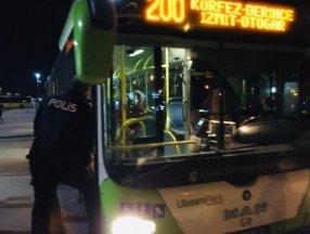 Kartal'da otobüsten inmeyen koronavirüs hastası kadını polis indirdi